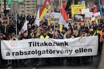 Demonstratie tegen Hongaarse slavenwet